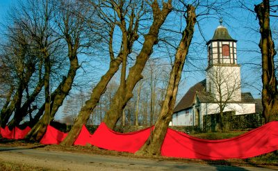 Wasserburg Alt-Bareneue, Kalkriese (Anne Grunge-Dirkers), Installation und Farbfotografie, 50 x 30 cm