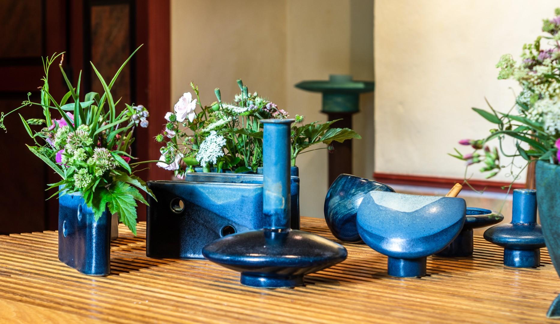 verschiedene Keramikvasen