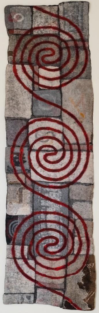 Lebensfluss. 2013 (Mechtildis Köder), ca. 70 x 235 cm, Schafwolle, diverse textile Materialien, handgefilzt, bestickt