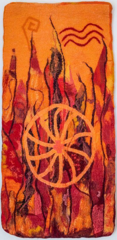 Das Feuer. (Mechtildis Köder), 2014, ca. 42 x 88 cm, Schafwolle, handgefilzt